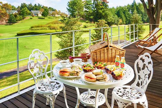 イメージ:ゴルフコースを眺めながら朝食を